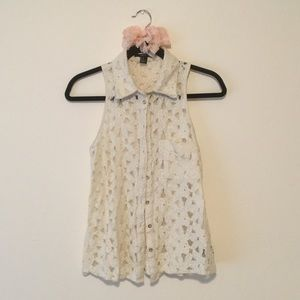 Cream Lace Sleeveless Button Up Top